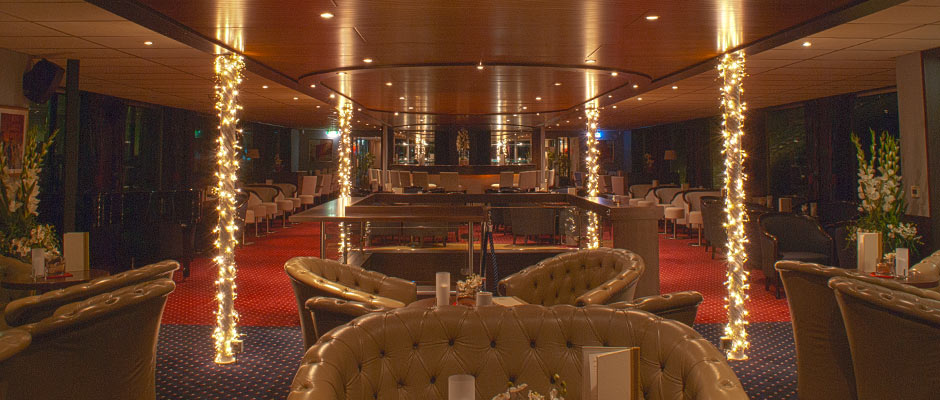 Donauschiff Amadeus Bar Innen